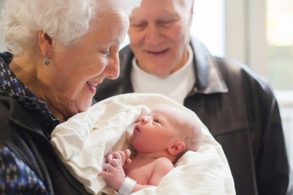 Top 7 tips for new and expecting grandparents